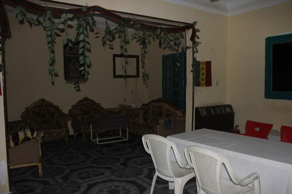 Queen Hostel - фото 3