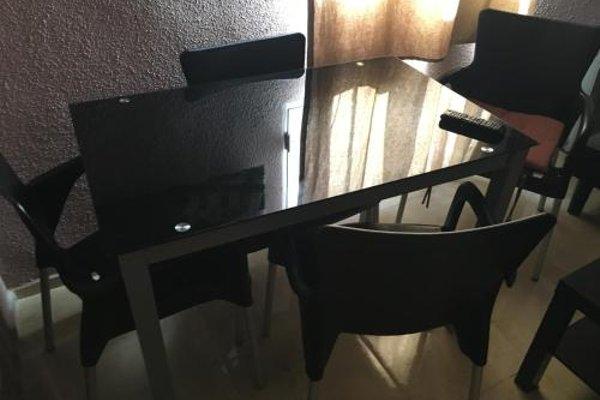 Reina Victoria Apartaments - 8