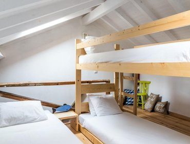 Хостел The Surf Embassy Hostel