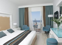Leonardo Plaza Cypria Maris Beach Hotel & Spa фото 3