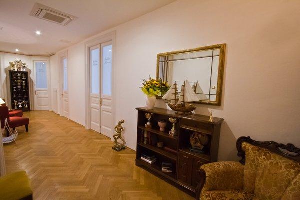 Golden Rooms Bed & Breakfast - фото 6