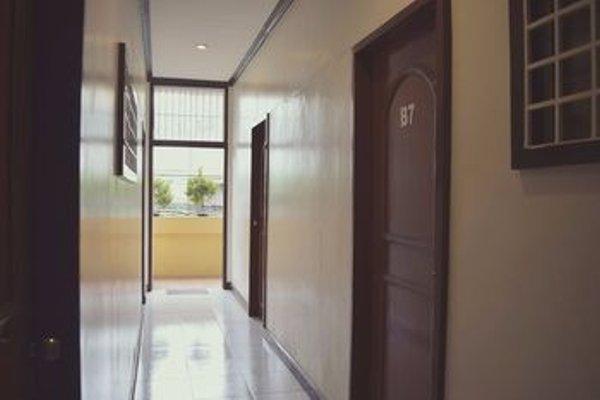 Davao Hub Dormitel Bed & Breakfast - фото 16