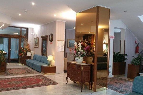 Hotel Ambrosi - фото 8