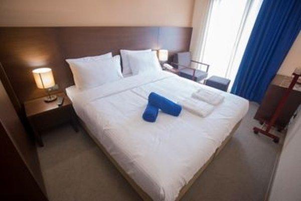 Hotel Corner Inn - 4