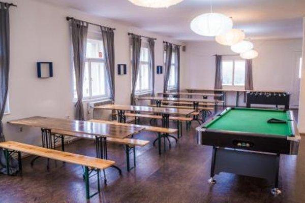 Cosmopole Hostel - 16