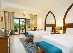 DoubleTree by Hilton Resort & Spa Marjan Island фото 2
