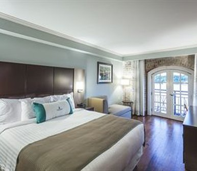 โรงแรม Cotton Sail Hotel Savannah Riverfront