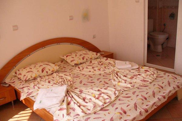 Venis Hotel - фото 3