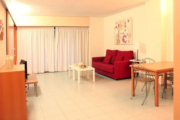 Yays Sagrera Concierged Boutique Apartments - фото 8