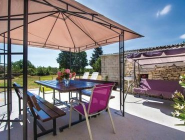 Guesthouse Holiday home Bicici I