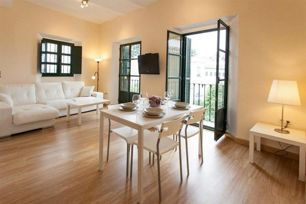 Apartments Ole - Plaza de Santa Cruz - фото 14