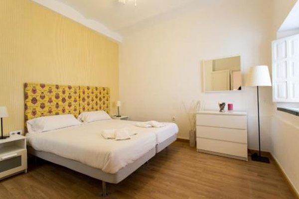 Apartments Ole - Plaza de Santa Cruz - фото 4
