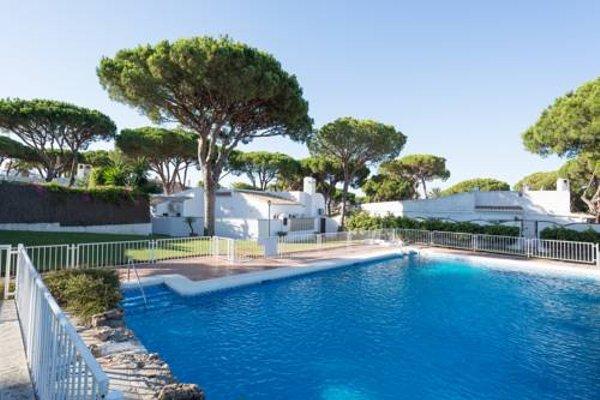 Villa Calahonda - Pinares del Mar - фото 16