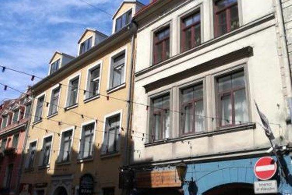 Three-Bedroom Apartment on Peldu 19 - 14