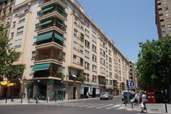 Apartamentos FV Flats Valencia - Mestalla - фото 35