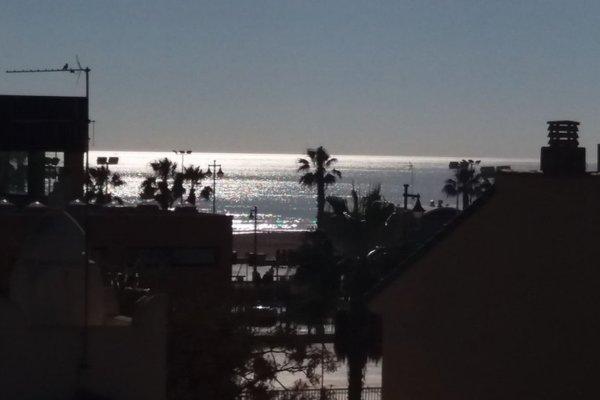Valencia Beach Suites - фото 6