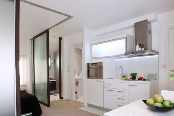Miro Studio Apartments - фото 10