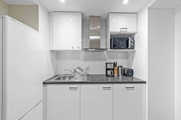 Renovated 3 Bedroom close to Bastille - 12