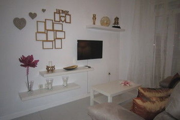 Bromham Apartment - 15