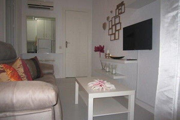 Bromham Apartment - 16