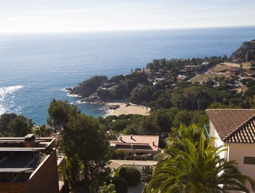 Гестхаус Modern villa in Blanes for 12 guests, with views of the Mediterranean Sea!