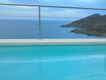 Apartments Sunny two-story apartment in El Port de la Selva with a pool and WiFi - 200m to the beach!