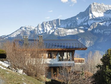 Apartments Grand Balcon - a gorgeous, 5-bedroom chalet with WiFi and mountain views - minutes from the slopes!