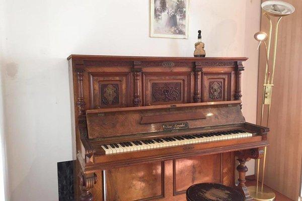 The Piano Room - 8