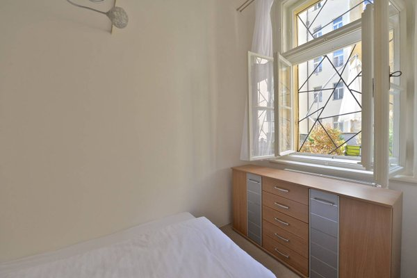 Stunning Old Town Apartment - фото 4