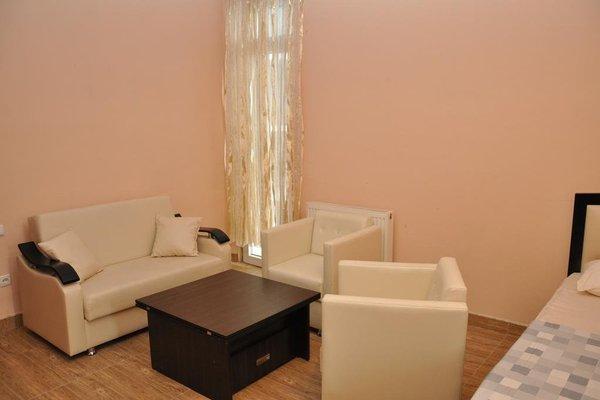 Realbatumi Hotel Anri - фото 5