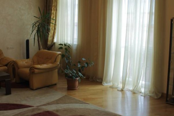 Jasmine's Downtown Apartment - фото 19