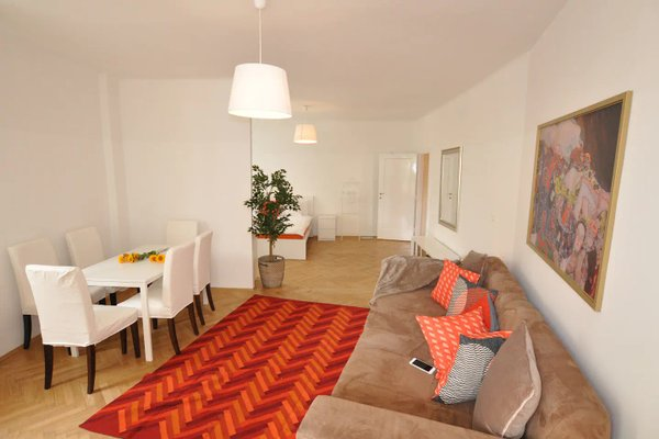 Operastreet City-Center Premium Apartment - фото 3