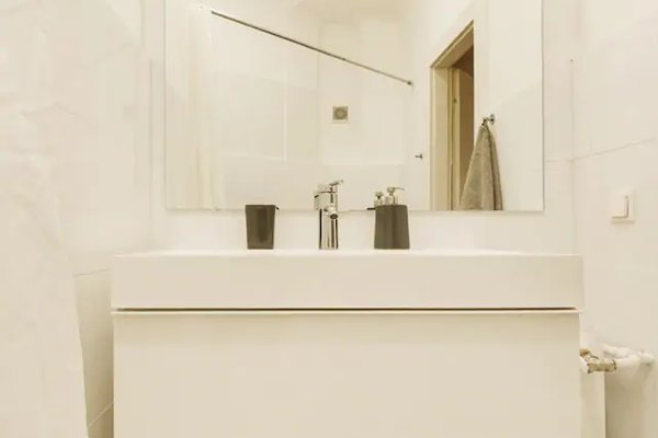 Operastreet City-Center Premium Apartment - фото 8