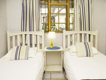 Guesthouse Vindoux Tree House Guest Farm & Spa