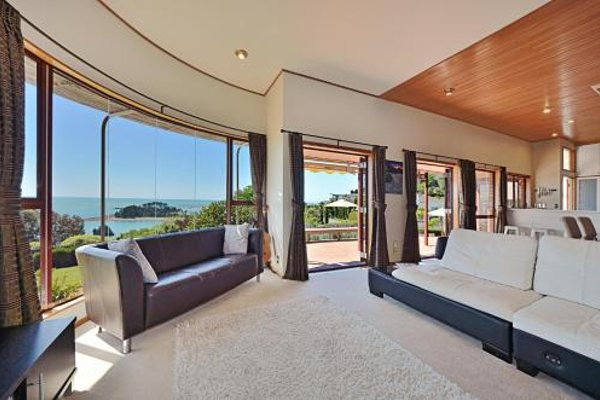 Cliff-top Holiday Home - фото 20