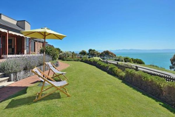 Cliff-top Holiday Home - фото 8