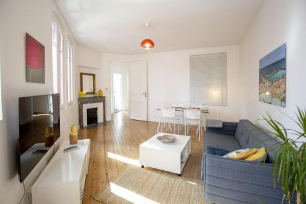 Place Saint Michel Apartment - 4