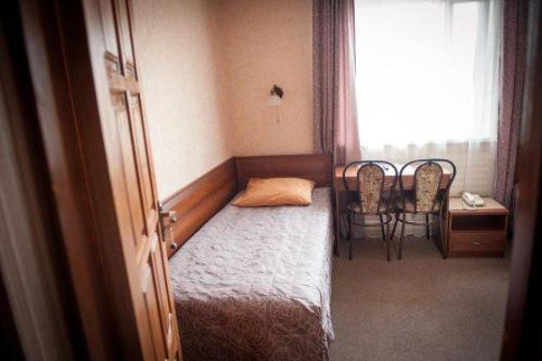 Прибалтийский Отель - 9