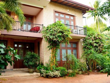 Хостел Colombo Mount Beach Hostel