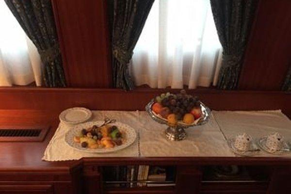 Seagull II Luxury Historic Static Charter - 12