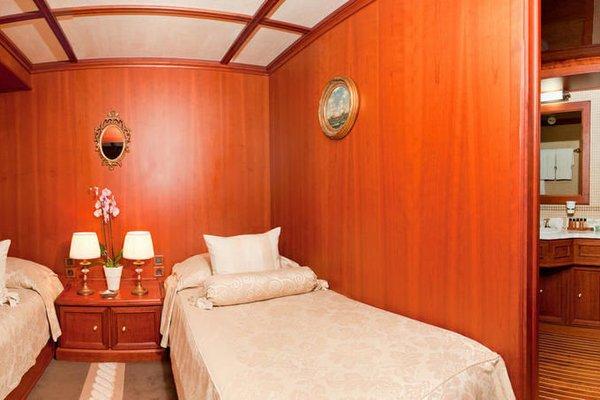 Seagull II Luxury Historic Static Charter - 7