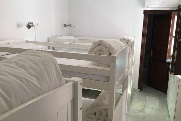 Mayflowers Hostel - фото 7