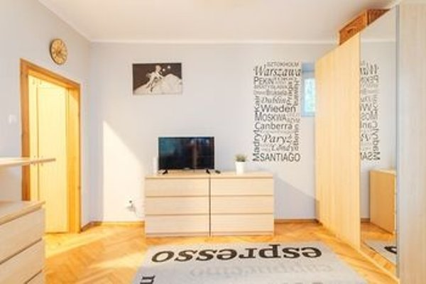 Solidarnosci Studio for 4 (A14) - 3