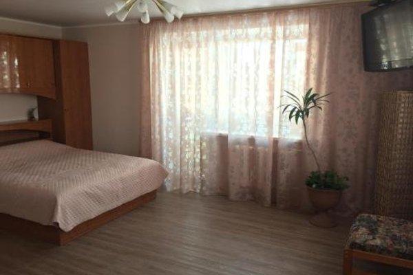 Studio apartment on prospekt 50 let Oktyabrya - фото 11