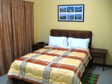 Guesthouse Piarco Village Suites