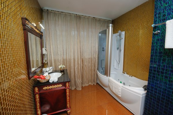 Club Royal Park Hotel - 17