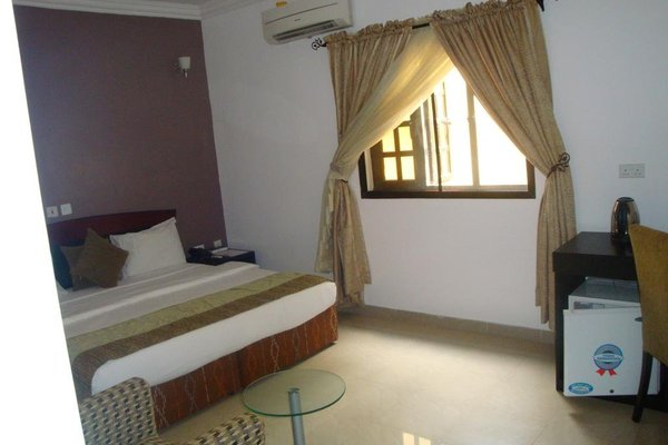 Suru Express Hotel GRA - фото 20