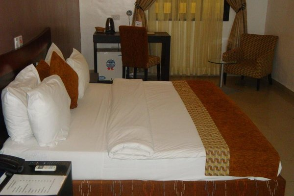 Suru Express Hotel GRA - фото 12