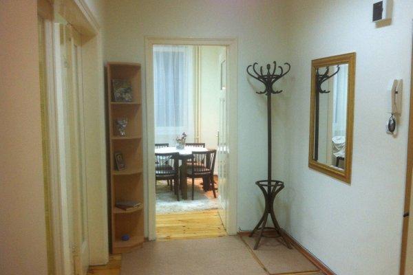 Gogol 2 BR Apartment - фото 10