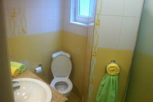 Gogol 2 BR Apartment - фото 12
